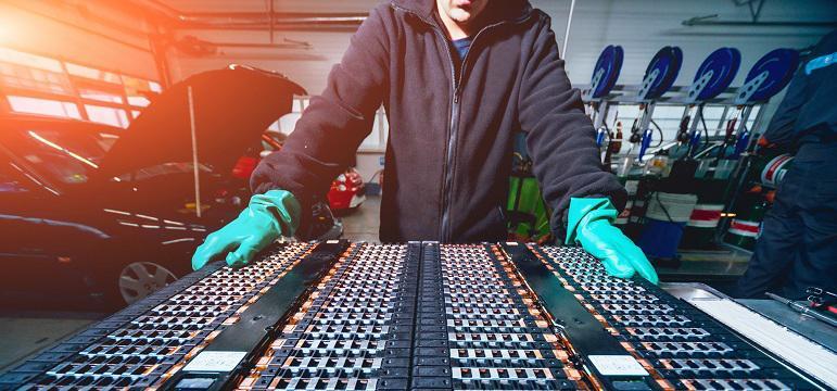 Fabrication d'une batterie de véhicule électrique