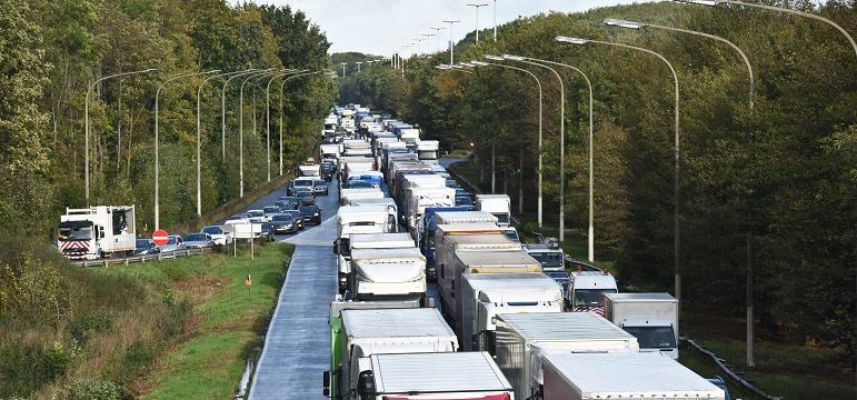Embouteillages avec véhicules poids lourds