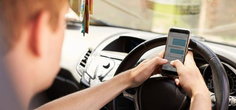 visuel30 smartphone volant